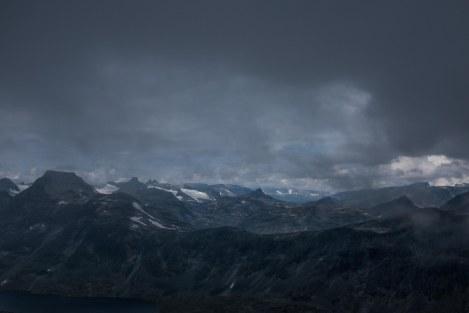 Fra toppen av Mjølkedalstind 2