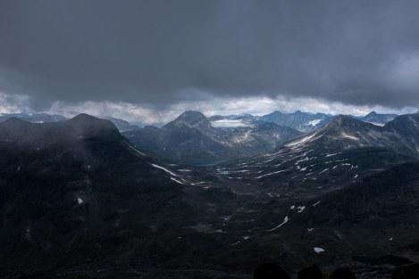 Fra toppen av Mjølkedalstind