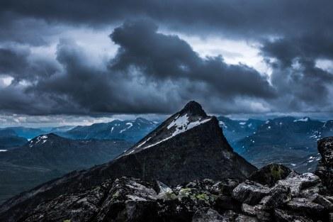Utsikt fra Skardalstind 2100 moh